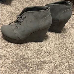 Grey wedge lace up shoes